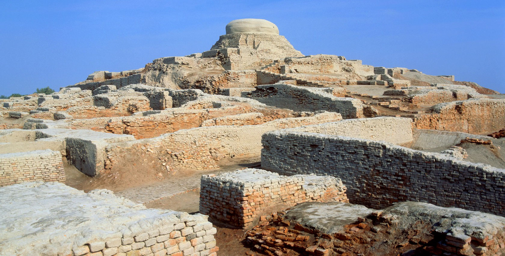 chinese and harappan civilization the two Only two civilizations existed prior and simultaneous to this: the  at the same  time, in about 2000 bc, the chinese civilization also came into.